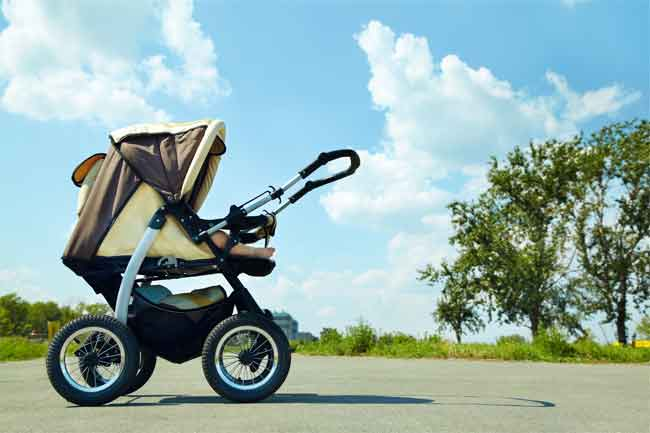 What kind of stroller does a newborn need
